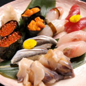 全国からネタを仕入れる柘榴ならではの新鮮なお寿司