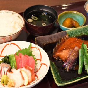 刺身と煮魚定食