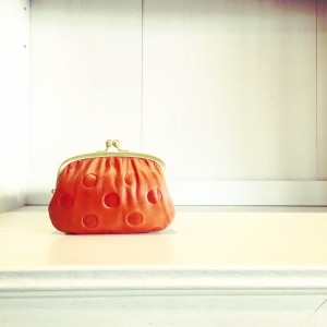可愛い革のお財布、ガマグチです
